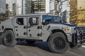 Автомобиль AM General HMMWV Humvee
